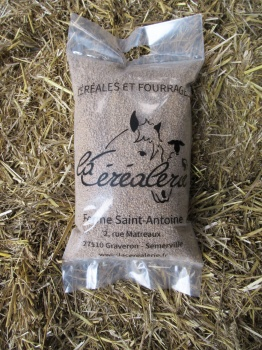 sac-granules-aliment-poussin-volaille